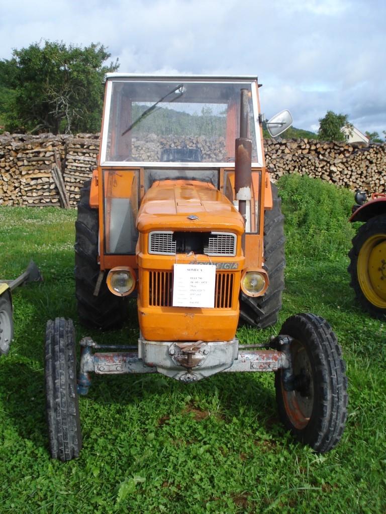 Brocante expo tracteurs en meuse 02 aout 2009 for Brocante dans 02