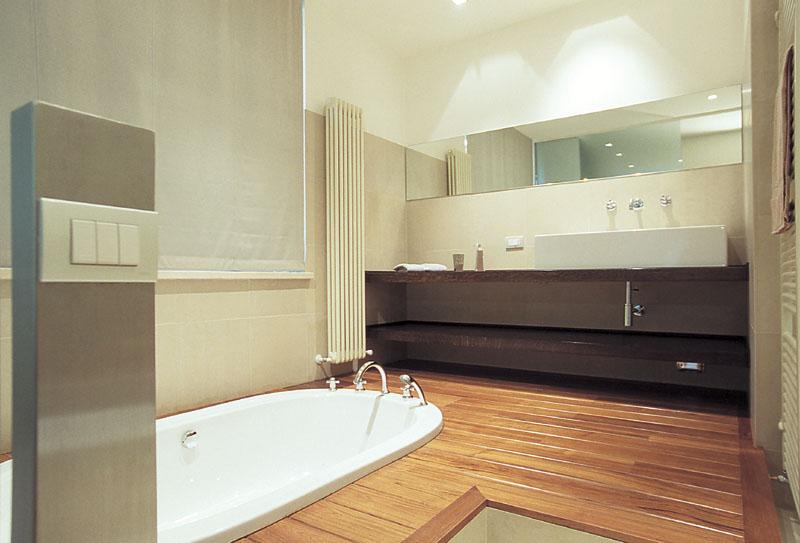 Parquet teck salle de bain images - Parquet salle de bain ...