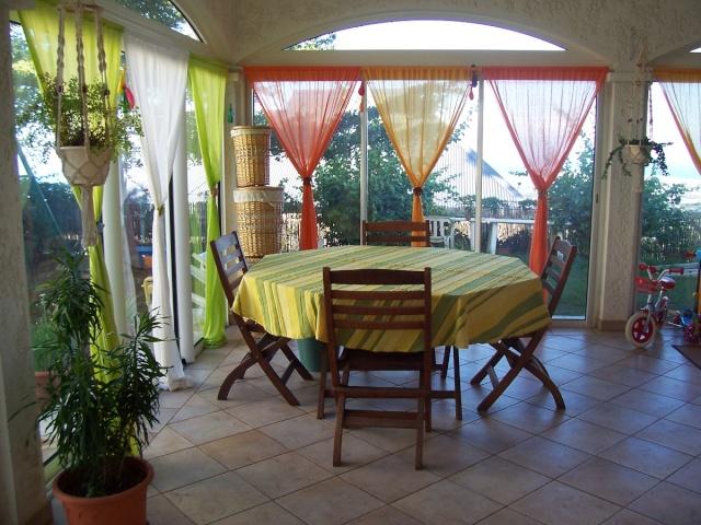 V randa melba974 une v randa relooker for Rideaux exterieur pour veranda