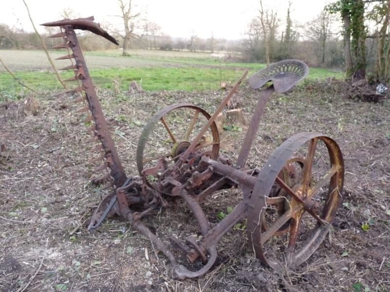 Faucheuse agricole ancienne
