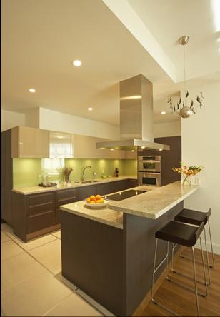 Conseil couleur peinture et faience pour une cuisine for Mur de cuisine couleur taupe