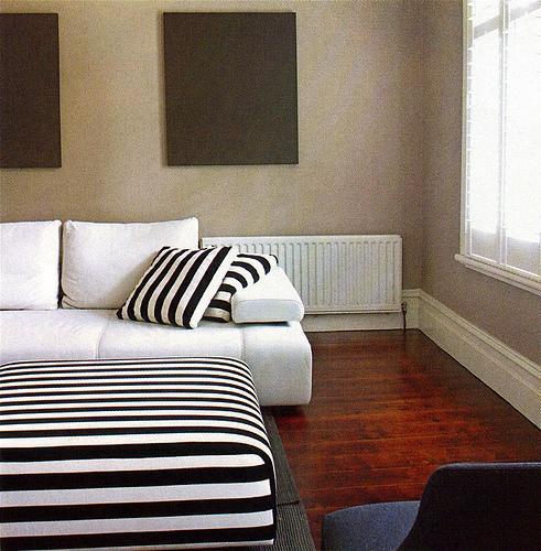 Besoin id e pour couleur murs dans chambre avec mobiliers - Couleur porte interieure avec mur blanc ...