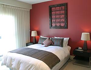 Achat appartement tout faire post chambre for Peinture chambre rouge et beige