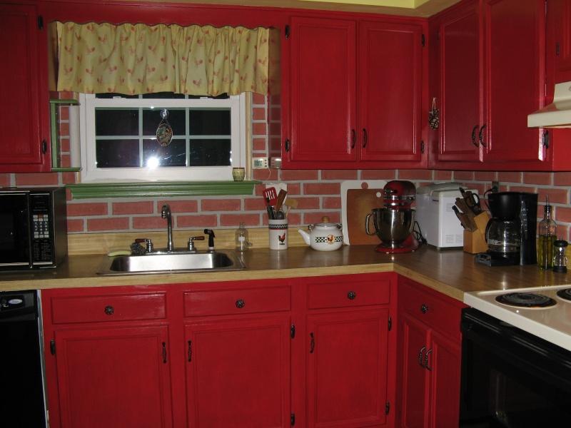 Repeindre une cuisine en bois for Photos de cuisine repeinte