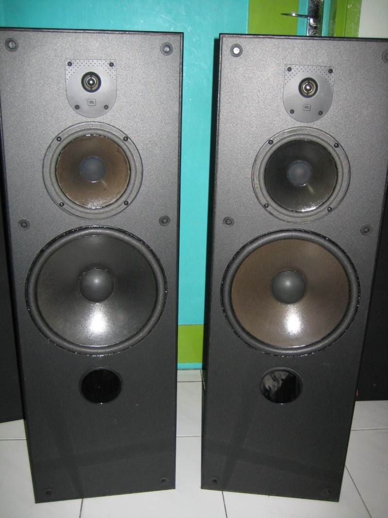 jbl used speakers. jbl mvr 310 3 way speaker (used) made in usa condition: 7.5/10. price: rm 950.00 nego. contact: 016 - 363 6644 chai jbl used speakers
