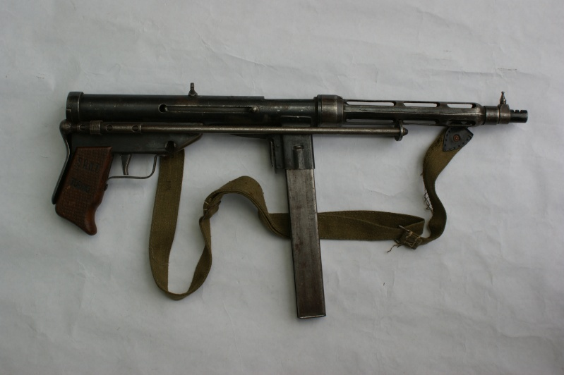 Wwii fully automatic united defense supply company model ud 42 wwii fully automatic united defense supply company model ud 42 submachine gun wwii allied land army pinterest submachine gun guns and weapons sciox Images