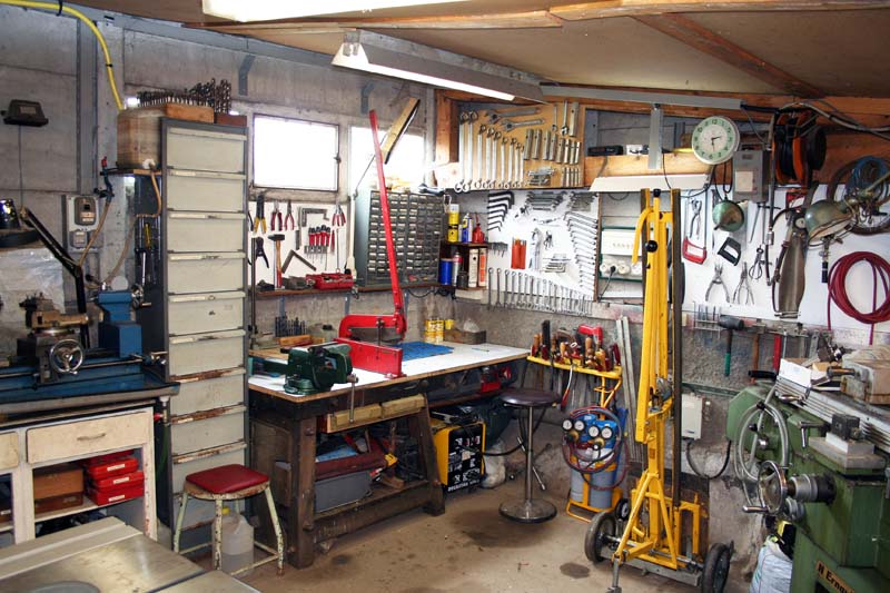 Atelier bien plein - Amenagement garage atelier ...