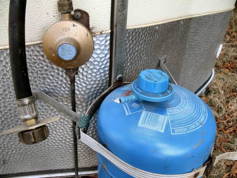 Un tuyau pour mon tuyau de gaz - Comment brancher un tuyau de gaz ...